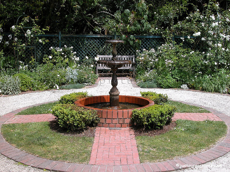 Just rose pictures nancy steen formal white rose garden for Formal rose garden layout